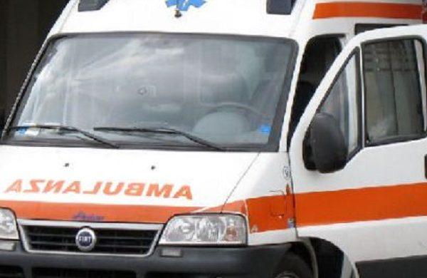 Anziano caduto a Carugate, in ospedale in codice rosso