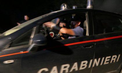 Assembramento fuori da un locale di Pioltello, i Carabinieri multano sei giovani