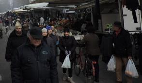 Accattoni molesti al mercato di Cassano