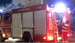 Auto in fiamme a Gessate