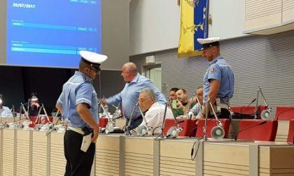 Bagarre in Consiglio a  Segrate, interviene la Polizia