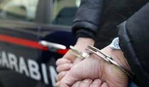 Bellinzago, ruba riviste e giocattoli dal supermercato: arrestato 45enne