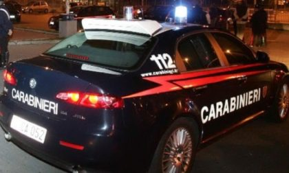 Capriate, minaccia e aggredisce i vicini di casa, arrestato un 44enne