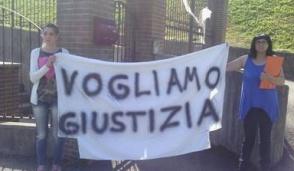 Cernusco, figli sottratti per problemi abitativi. Manifestano a Biella