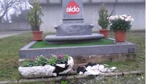 Danneggiato il monumento ai donatori dell'Aido di Melzo
