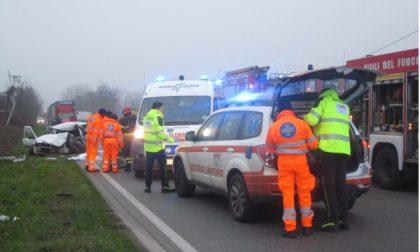 Fa un frontale con un camion, 51enne muore sul colpo a Truccazzano