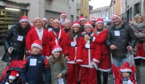 I Babbo Natale pronti a marciare su Trezzo
