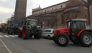 Coi trattori in parrocchiale a Trezzo