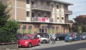 Madone, il Comune modifica la Tari e l'edificio che ospita i migranti pagherà di più