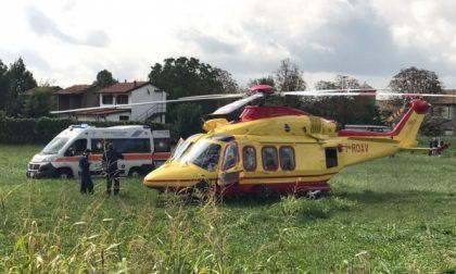 Melzo: cade con la moto, soccorso con l'elicottero