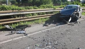 Scontro tra due auto a Cassina, tre feriti