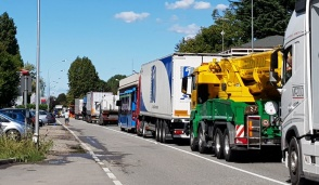 Settala: incidente furgoncino-moto, traffico paralizzato