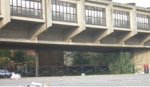 Una velostazione alla fermata della metropolitana di Cassina