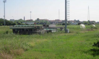 Apre il cantiere del campo sportivo di Capriate
