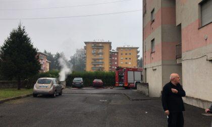 Incendio nei sotterranei delle case Aler VIDEO E FOTO