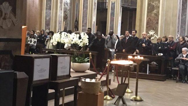 Funerali Stacey Lacrime Per Una Vita Spezzata Così Presto