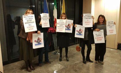 Mamme in protesta in Consiglio comunale