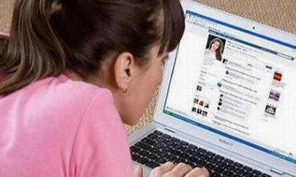 Facebook dipendente le portano via i figli