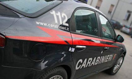 Trova portafoglio con 400 euro e lo porta ai carabinieri di Brembate