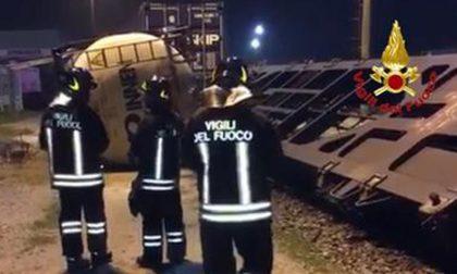 Treno deraglia a Melzo: scampato incubo Viareggio FOTO