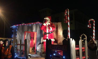 Il Carro di Babbo Natale accende Cernusco: via per via ecco il calendario
