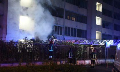 Appartamento incendiato arrestati i tre piromani Era una vendetta per una lite