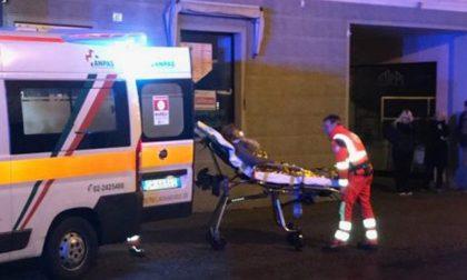 Incendio in casa e due persone finiscono in ospedale FOTO