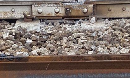 Treno deragliato per il cedimento di uno scambio: doveva essere sostituito