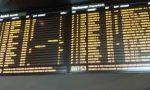 Caos treni sulla Lecco-Milano, convogli soppressi, ritardi e anche una stazione saltata.