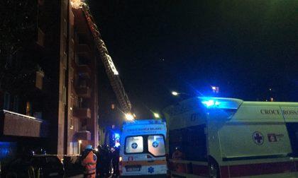 Incendio in casa Famiglia evacuata