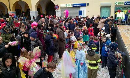 Carnevale a Melzo sfilano la banda e i carri FOTO E VIDEO