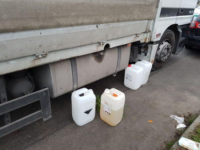 Ladri di carburante presi con le mani nel sacco