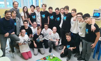 I ragazzi della media Alpi di Trezzano Rosa al First Lego League VIDEO