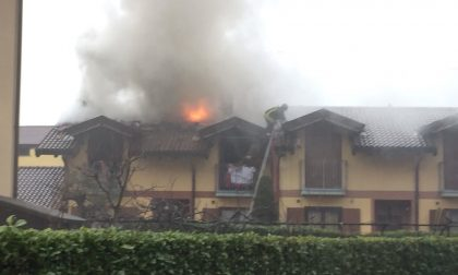 Incendio su un tetto a Trezzano Rosa FOTO