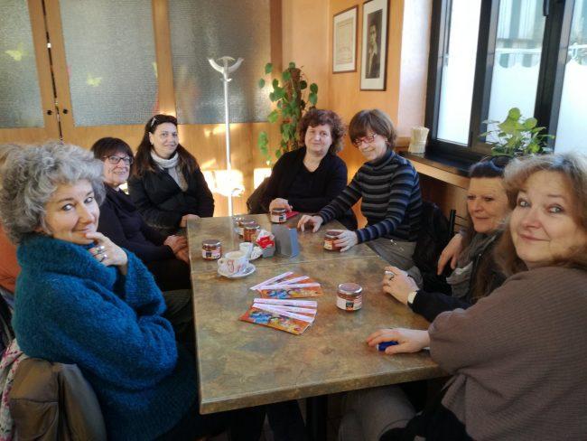 Mimose auguri alle donne e colazione gratis al bar Palandry del circolo familiare Angelo Barzago di Bussero