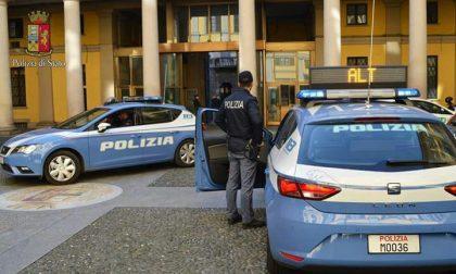 Senza assicurazione e patente: tre auto sequestrate dalla Polizia