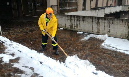 Ancora neve in Martesana ma non attacca resta l'allerta sulle strade