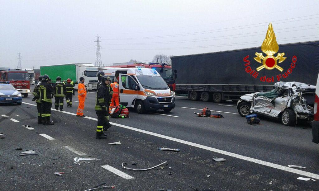 Donna morta in incidente sull'A4