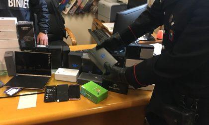 Furti nei negozi di telefonia fermati gli autori FOTO