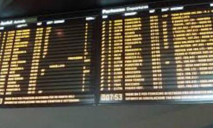 Delirio Trenord treni in ritardo e domani c'è anche sciopero