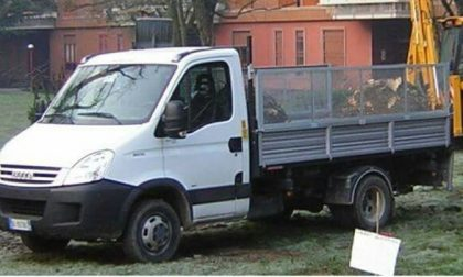 Rubato furgone a Vignate