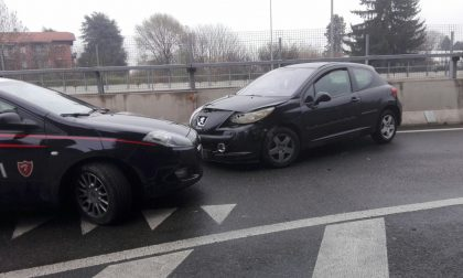 Inseguimento da film, poi l'incidente: l'auto era piena di droga