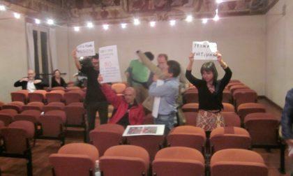 Rievocazione storica la contestazione accende la notte del Consiglio