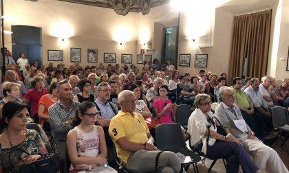 Assemblea pubblica rovente a Cologno: intervengono anche i vigili