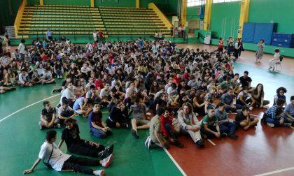 Bullismo a scuola a Cologno Monzese c'è chi dice no. FOTO E VIDEO