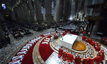 Consacrati 29 nuovi sacerdoti in Duomo a Milano Uno è di Brugherio
