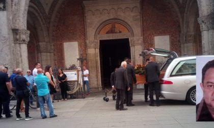 Si sente male in piazza a Rivolta, muore 64enne