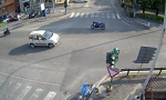 Motociclista disarcionato, la moto prosegue da sola