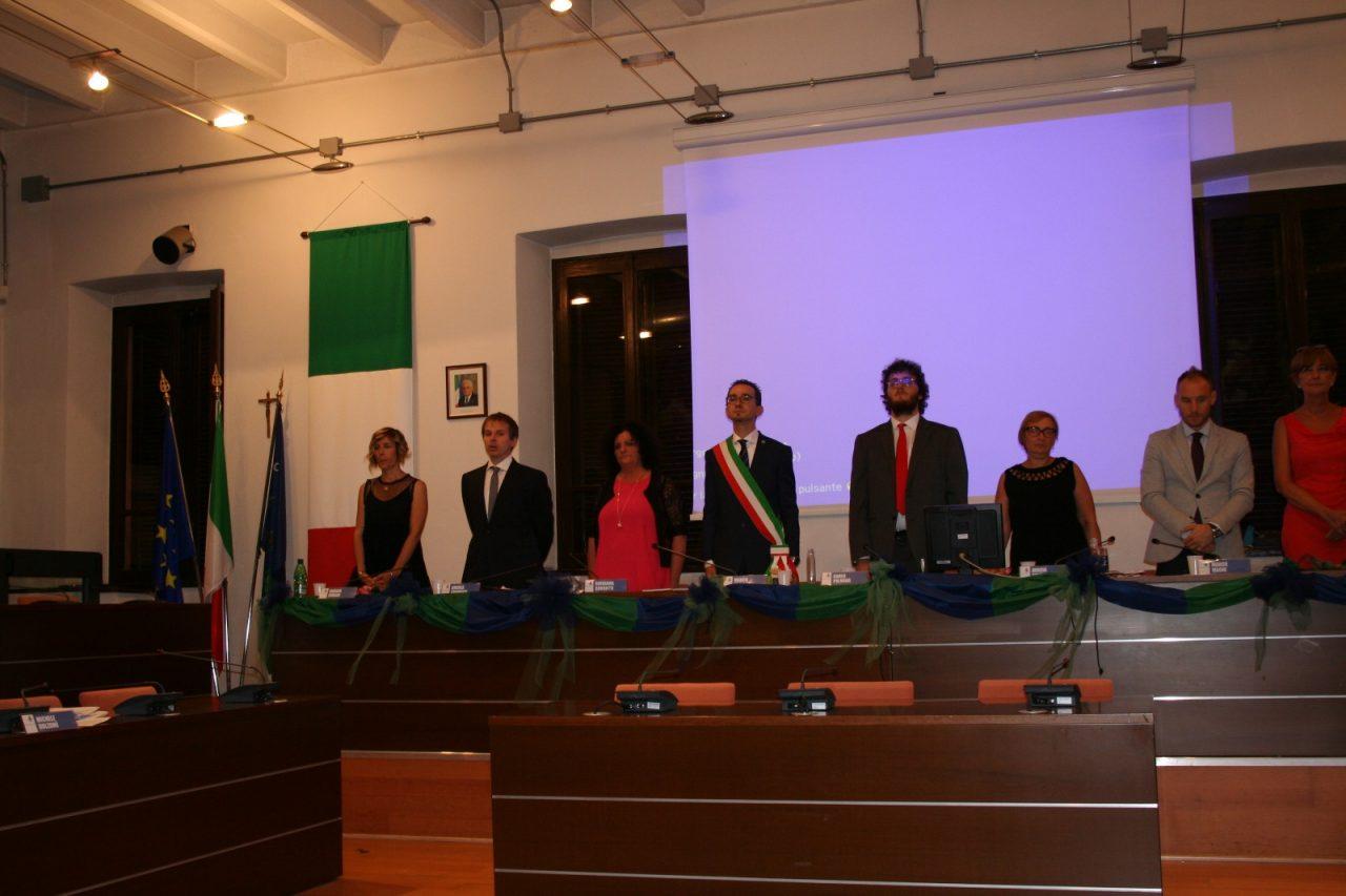Appello del sindaco di brugherio marco troiano ai cittadini durante il consiglio comunale di insediamento