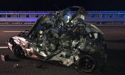 Auto travolta da un furgone sulla Brebemi, illesi due 20enni FOTO